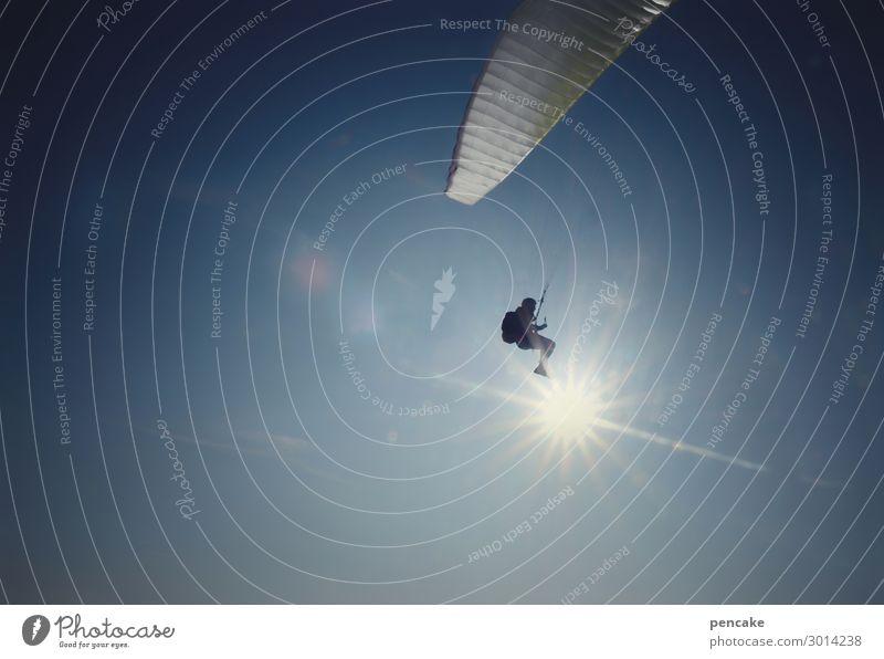 mit schirm, charme und melone | in letzter sekunde Mensch Himmel Sonne Sport fliegen Luft Schönes Wetter Urelemente hängen Flucht Sportler spionieren