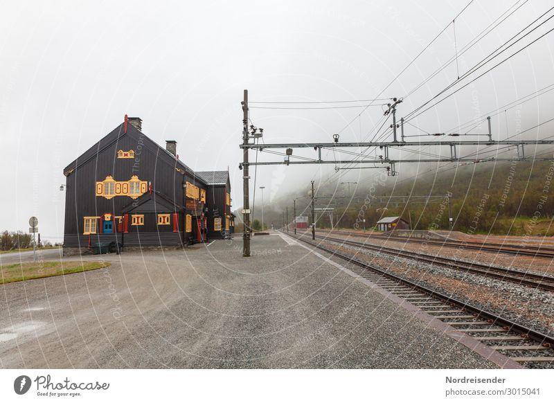Bahnhof auf dem Dovrefjell Ferien & Urlaub & Reisen Tourismus Ferne Landschaft Wolken Wetter schlechtes Wetter Nebel Regen Berge u. Gebirge Dorf Haus Bauwerk