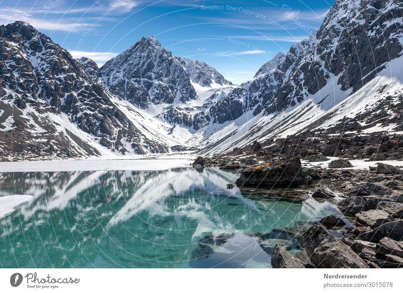 Bergsee Ferien & Urlaub & Reisen Abenteuer Ferne Schnee Berge u. Gebirge wandern Natur Landschaft Urelemente Wasser Himmel Klima Schönes Wetter Felsen Gipfel