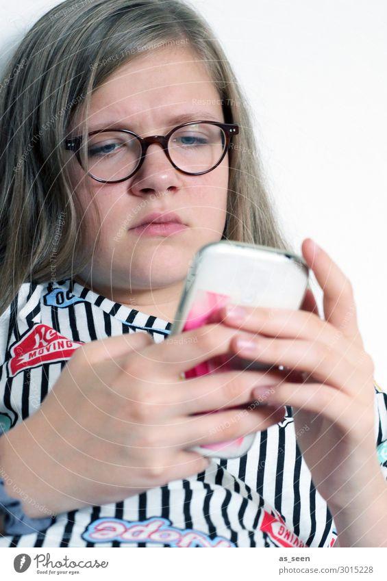 Online Jugendliche Junge Frau weiß rot Hand Mädchen schwarz Spielen Stimmung 13-18 Jahre Kommunizieren blond Kreativität authentisch Brille Jugendkultur