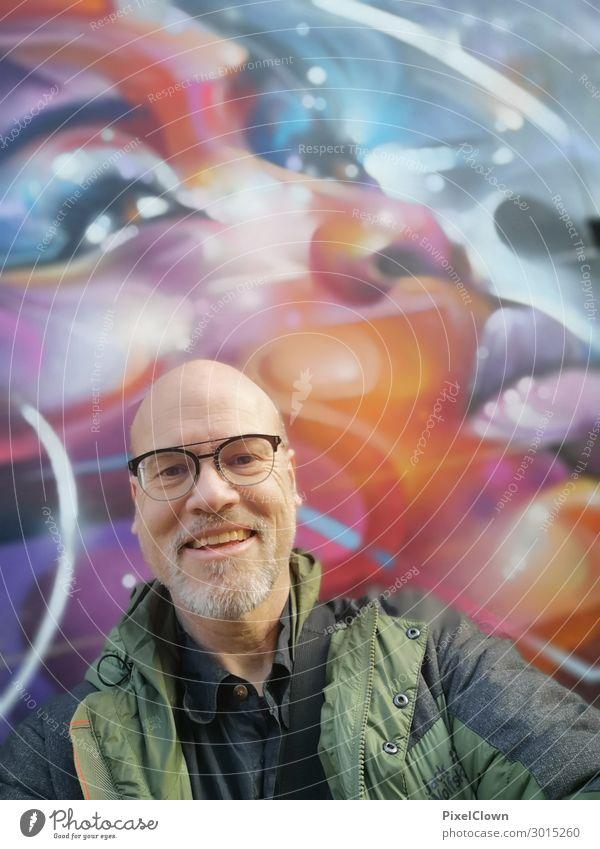 Smile Mensch Ferien & Urlaub & Reisen Stadt schön grün Freude Lifestyle Erwachsene Wand Senior Gefühle lachen Glück Mauer Kopf Ausflug