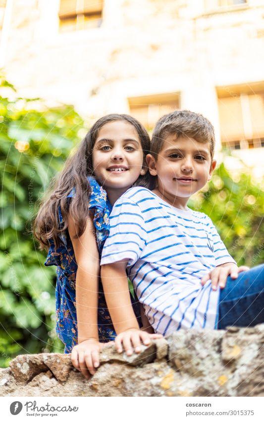 Kind Mensch Ferien & Urlaub & Reisen Sommer Pflanze blau schön grün Hand ruhig Freude Mädchen Lifestyle Wand Liebe natürlich