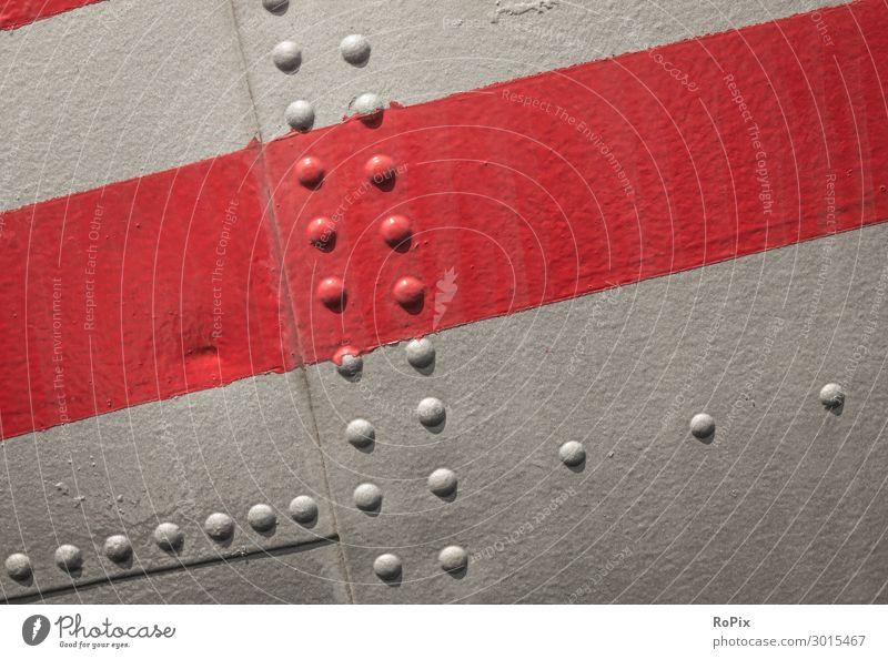 Detail eines historischen Flugzeugrumpfes. Blech Nieten rivets Schrauben Verbindungstechnik Farbe lack rot Technik Eisen Stahl Gewicht Bordwand Maschine Halt
