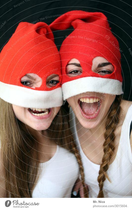 Weihnachtsmonster Weihnachten & Advent feminin Junge Frau Jugendliche Auge Mund Zähne 2 Mensch Mütze brünett langhaarig Zopf rot Freude frech böse Nikolausmütze