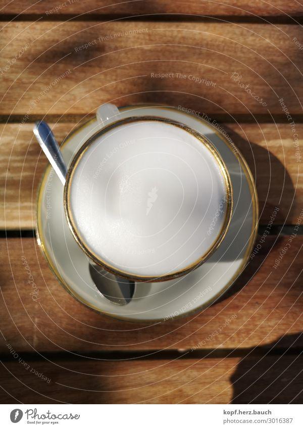 Käffchen mit Goldrand Frühstück Kaffeetrinken Slowfood Getränk Heißgetränk Cappuccino Café Milchschaum Geschirr Tasse Löffel Untertasse sprechen Erholung alt