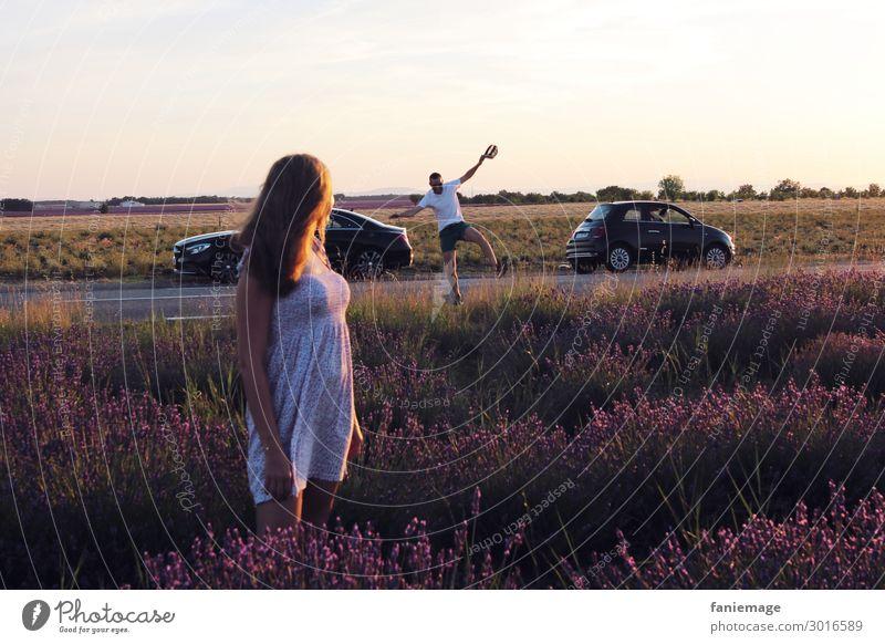 happy day Lifestyle Mensch maskulin feminin Freundschaft 2 18-30 Jahre Jugendliche Erwachsene 30-45 Jahre Natur Landschaft Schönes Wetter Feld springen