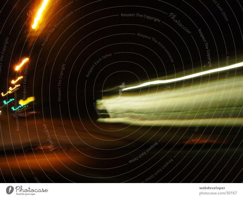 the fast and the furious Geschwindigkeit Langzeitbelichtung verwaschen Licht Nacht dunkel hell