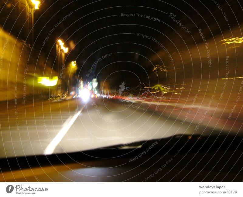 Highway to Hell Straße Lampe dunkel Bewegung Geschwindigkeit verwaschen