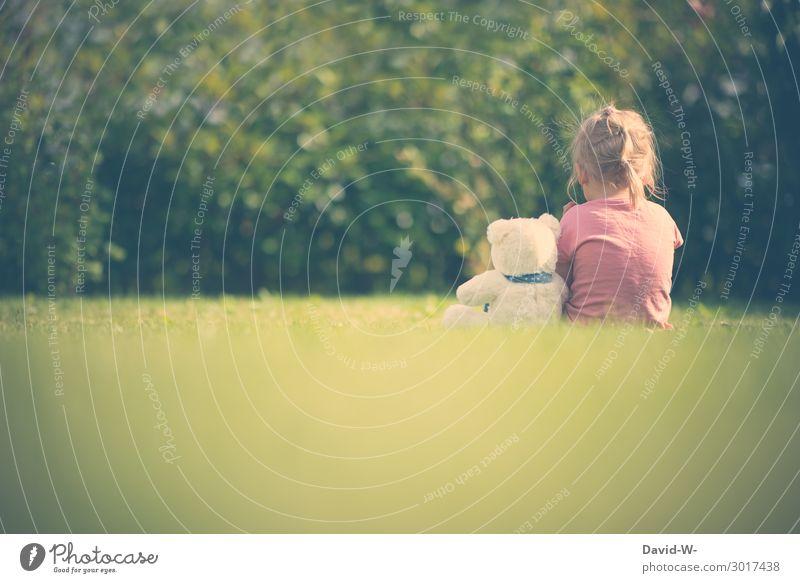 Freunde Kind Mensch Natur Sommer Tier ruhig Mädchen Leben Umwelt feminin Gefühle Garten Spielen Zusammensein Denken Freundschaft