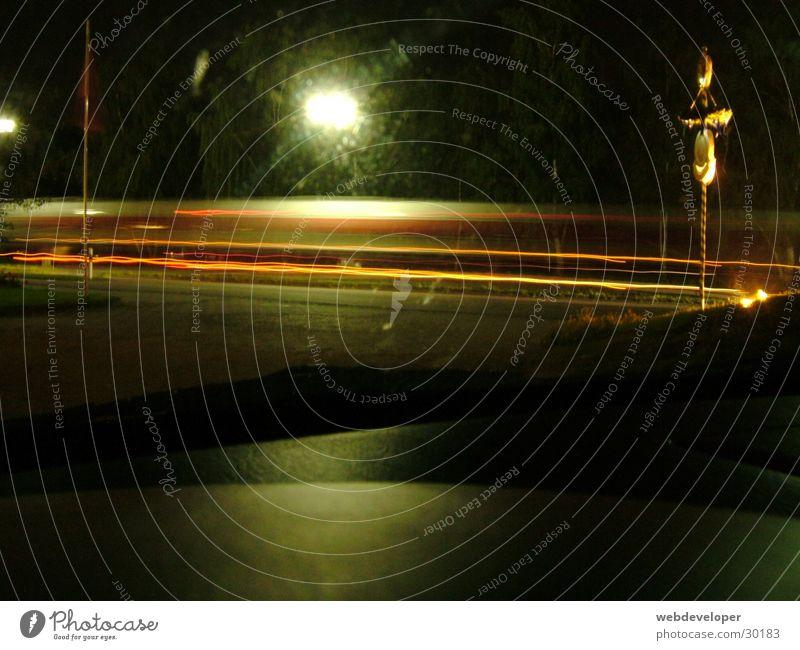 Highway 2 Hell [6] Straße Lampe dunkel Bewegung Geschwindigkeit Laterne verwaschen