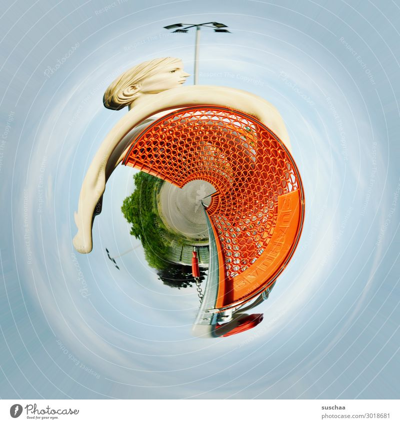 life on planet einkaufswagen tiney world rund Drehung absurd seltsam skurril Einkaufswagen Schaufensterpuppe rotieren abstrakt Erde verdreht Verzerrung Kreis