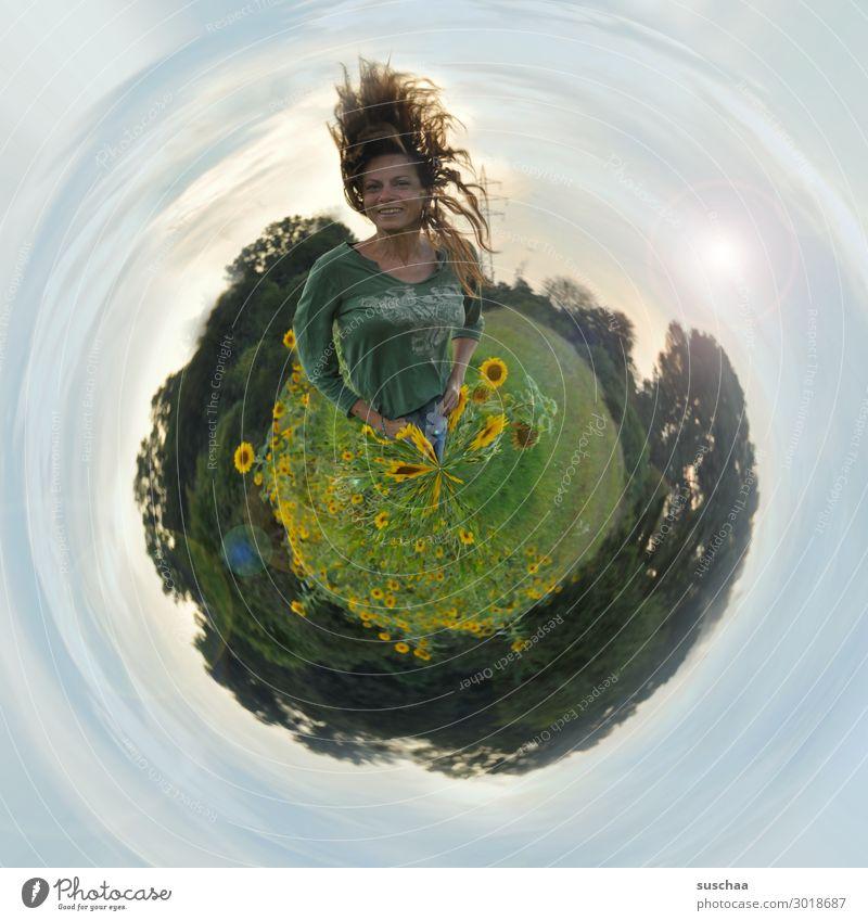 planet suschaa Erde Weltall Himmel Horizont Sonnenblume tiny plant kleine welt Kreis rund Planet Reaktionen u. Effekte Mensch Figur Frau Haare & Frisuren