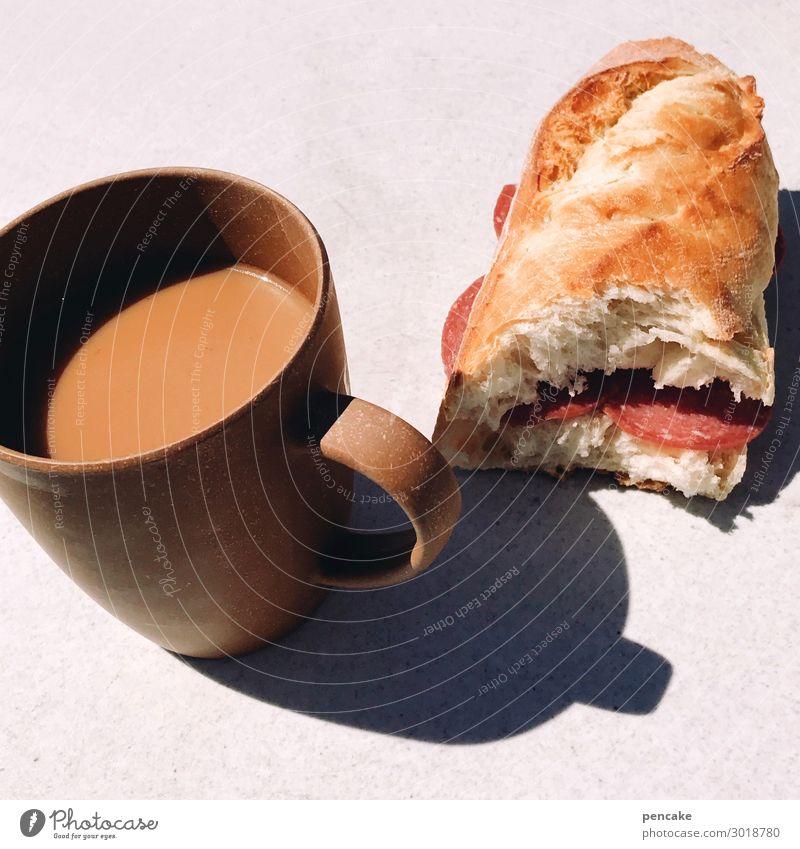 camperfrühstück Lebensmittel Wurstwaren Teigwaren Backwaren Brötchen Frühstück Getränk Heißgetränk Kaffee Sommerurlaub Sonnenlicht Erholung Essen Camping