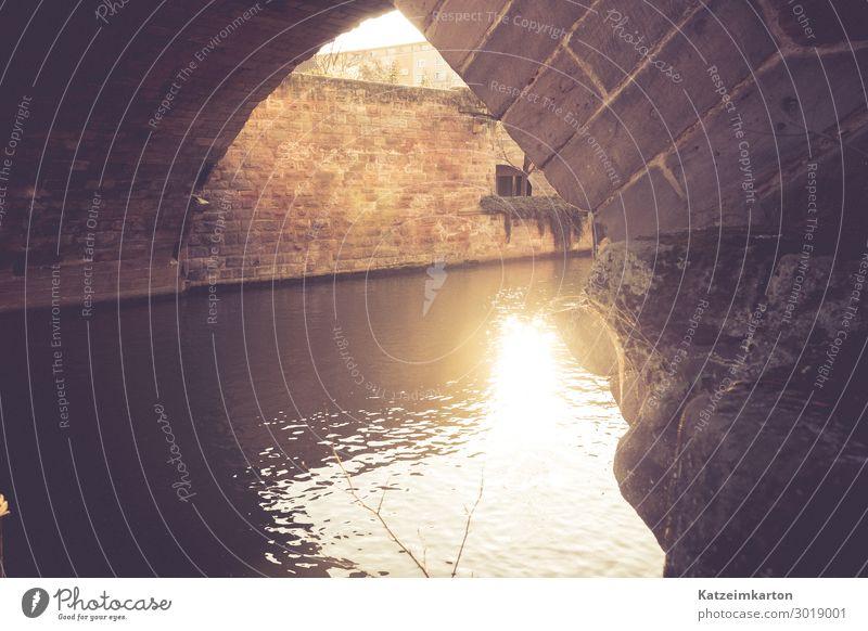 Abendsonne unter einer Brücke Architektur Wasser Sonne Sonnenaufgang Sonnenuntergang Sonnenlicht Schönes Wetter Fluss Nürnberg Stadt Burg oder Schloss Bauwerk