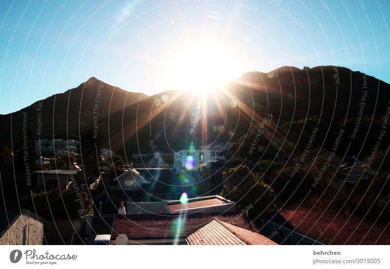 wertvoll | sonnenenergie Himmel Ferien & Urlaub & Reisen schön Landschaft Haus Ferne Berge u. Gebirge Wärme Tourismus außergewöhnlich Freiheit Ausflug hell
