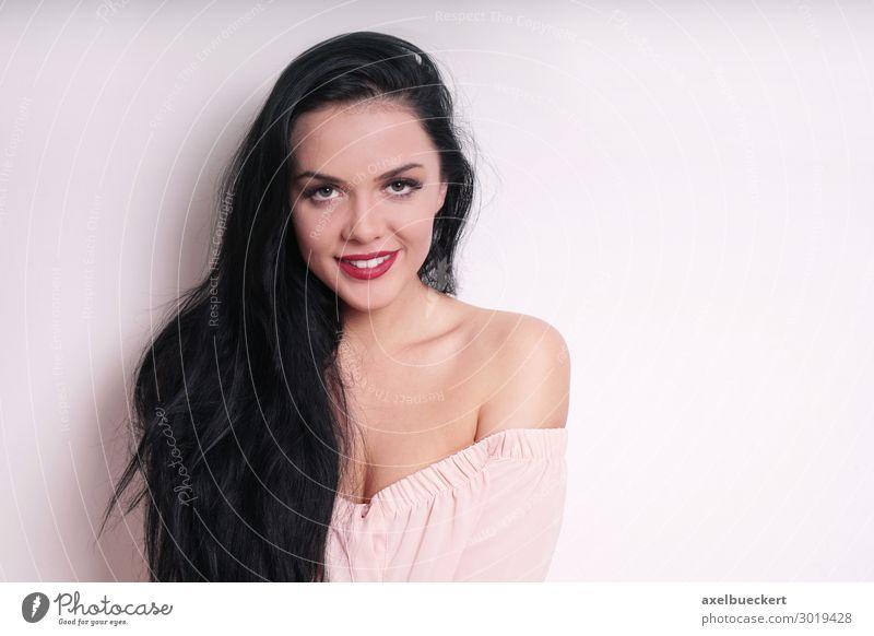 attraktive junge Frau in schulterfreier Bluse Lifestyle Stil schön Schminke Lippenstift Mensch feminin Junge Frau Jugendliche Erwachsene 1 18-30 Jahre Mode