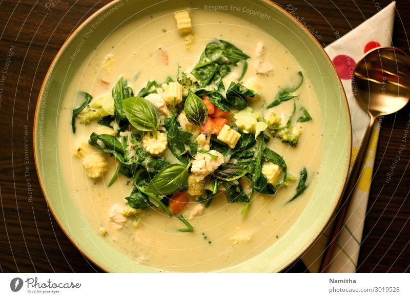 Thailändisches grünes Curry-Huhn Lebensmittel Gemüse Ernährung Essen Mittagessen Abendessen Büffet Brunch Asiatische Küche Teller frisch Gesundheit lecker