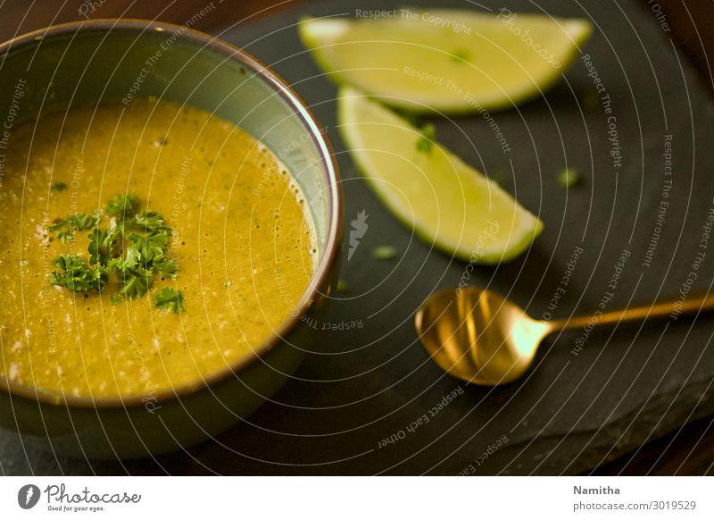 grün Gesundheit Lebensmittel Essen orange Ernährung Vegetarische Ernährung Schalen & Schüsseln Appetit & Hunger Mittagessen Löffel Suppe Asiatische Küche