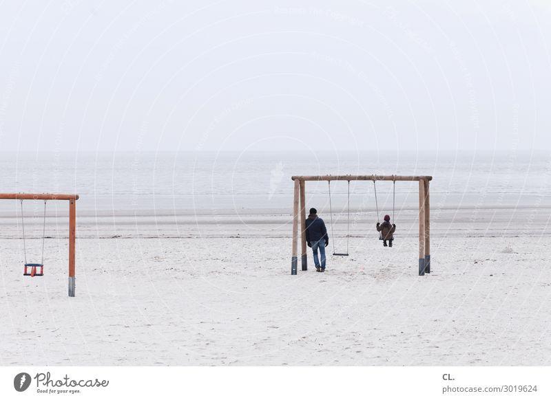 schaukeln Spielen Ferne Freiheit Winter Mensch Kind Vater Erwachsene Familie & Verwandtschaft Kindheit Leben 2 Nebel Küste Strand Meer Insel Freude
