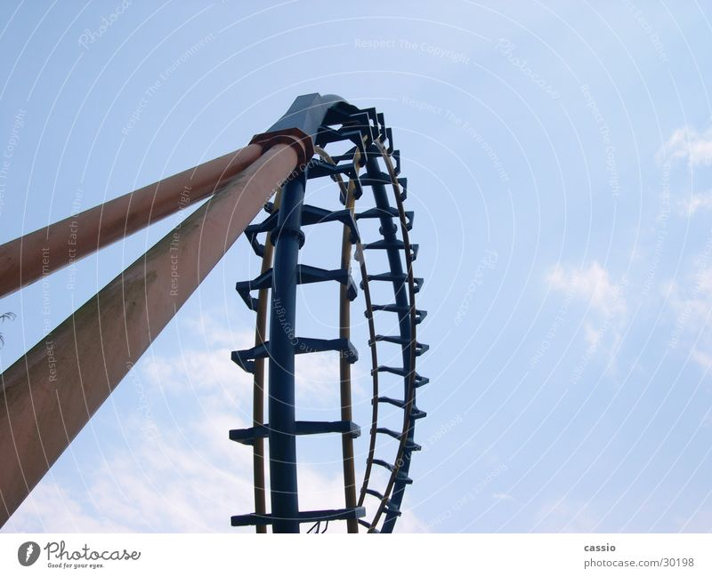 Loop. Himmel Stahl Stab Baugerüst Achterbahn Vergnügungspark