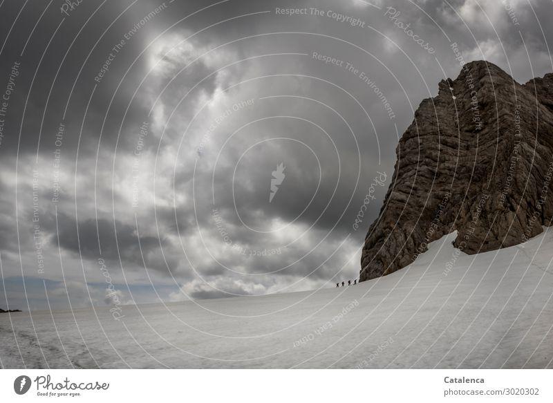 Luftig| Gletscherwanderung Berge u. Gebirge wandern Menschengruppe Natur Landschaft Himmel Gewitterwolken Horizont schlechtes Wetter Schnee Alpen Bewegung gehen