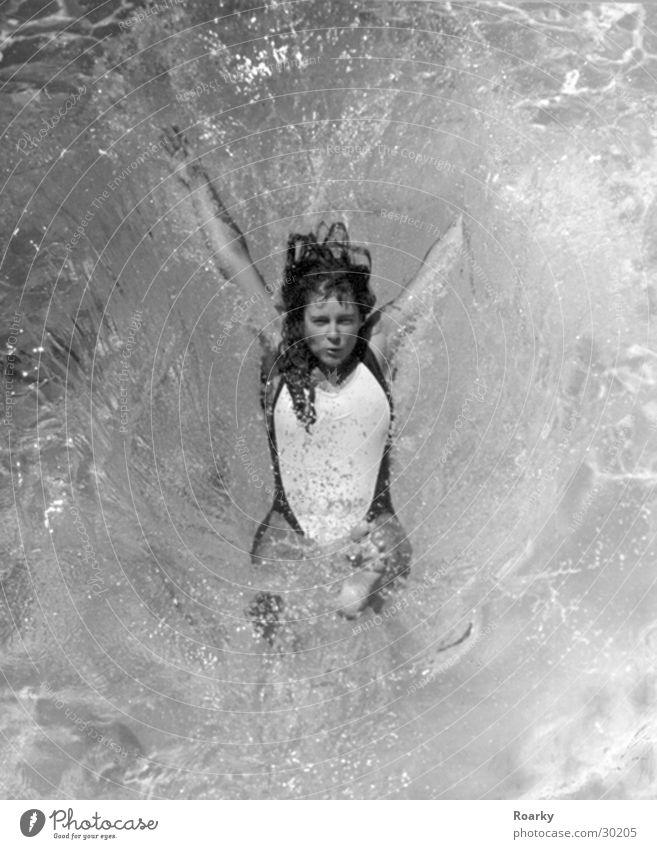 Splash Frau Wasser Meer springen Bewegung Schwimmen & Baden Erfrischung Badeanzug