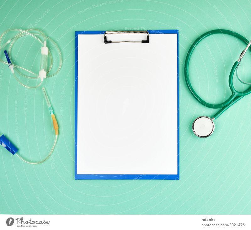 leere weiße Laken und medizinisches Stethoskop Gesundheitswesen Behandlung Krankheit Medikament Wissenschaften Prüfung & Examen Arzt Krankenhaus Werkzeug Papier