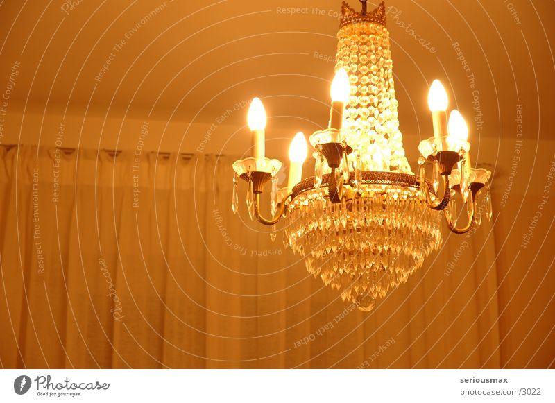 Leucher II Leuchter Kronleuchter Licht Lampe Glühbirne Wohnzimmer Häusliches Leben kristalleuchter Decke