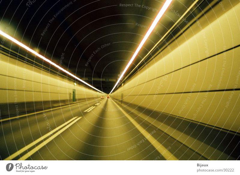 Tunnel 1.0 dunkel Geschwindigkeit Aktion Autobahn