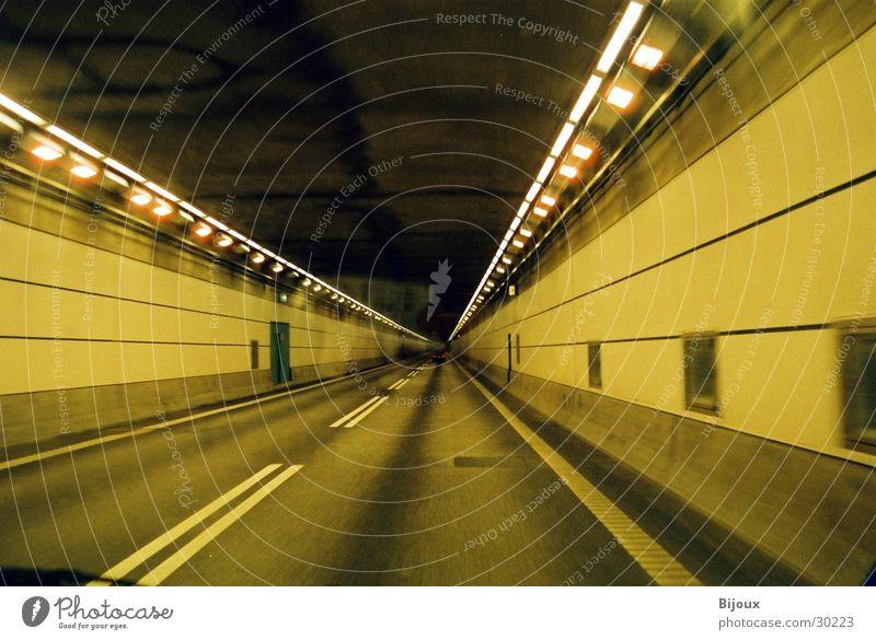 Tunnel 2.0 Geschwindigkeit dunkel Aktion Langzeitbelichtung Licht Flucht