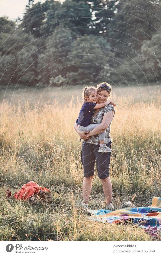 Frau Kind Mensch Ferien & Urlaub & Reisen Natur Jugendliche Junge Frau Sommer schön grün Landschaft Erholung Freude Mädchen Lifestyle Erwachsene