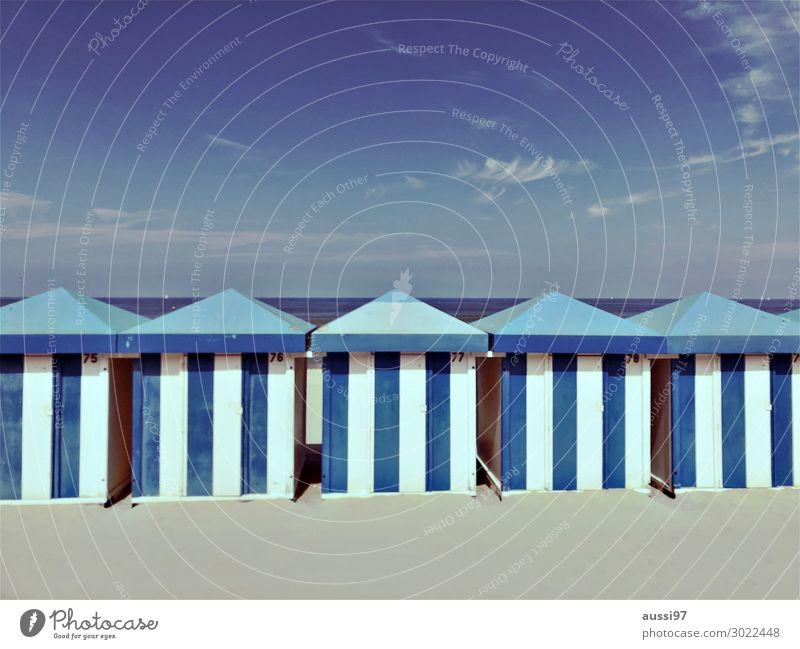 La plage (quatre) Strand entkleiden Schwimmen & Baden Scham nackt Umkleideraum Badehose Bikini Badeanzug Sand Ferien & Urlaub & Reisen Erholung