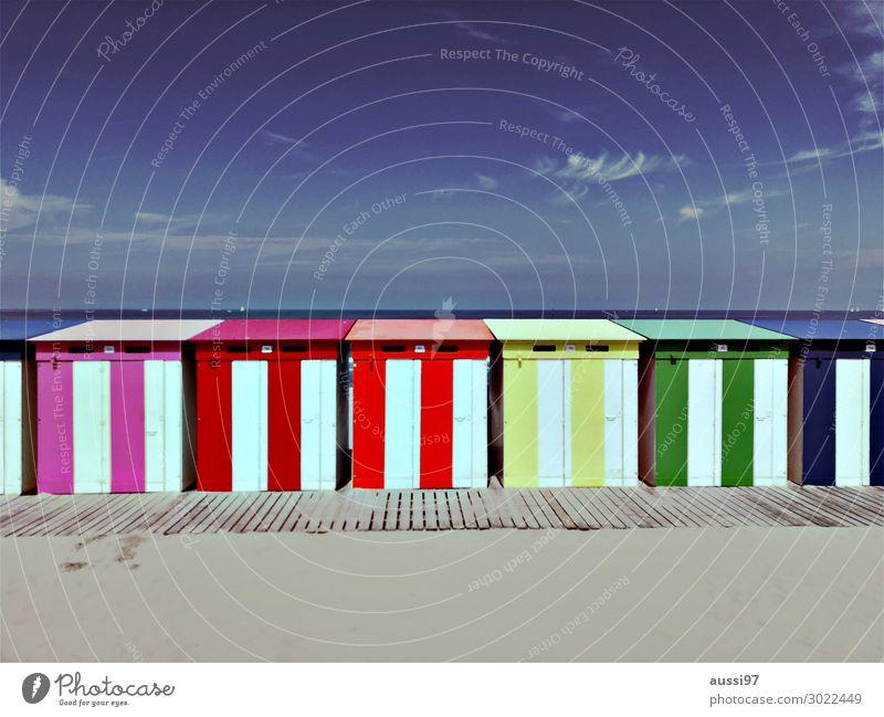 La plage (trois) Strand Sand Meer Ferien & Urlaub & Reisen Erholung Schwimmen & Baden entkleiden nackt Scham Haus Hütte Kabine Umkleideraum anziehen