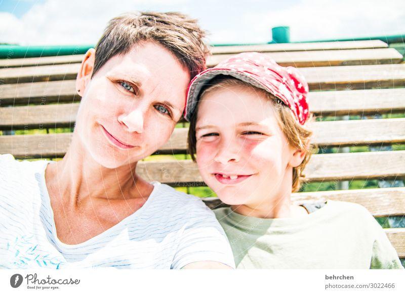 wertvoll | zusammen sein Frau Kind Gesicht Auge Erwachsene Liebe Familie & Verwandtschaft lachen Glück Junge Haare & Frisuren Kopf Zusammensein Zufriedenheit