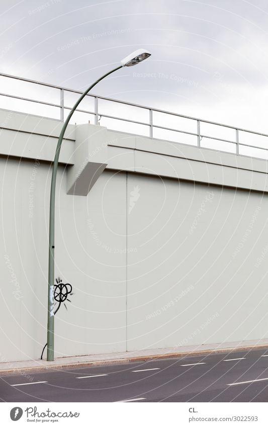 betonblume Himmel Wolken Blume Menschenleer Brücke Bauwerk Architektur Mauer Wand Verkehr Verkehrswege Straßenverkehr Wege & Pfade Brückengeländer