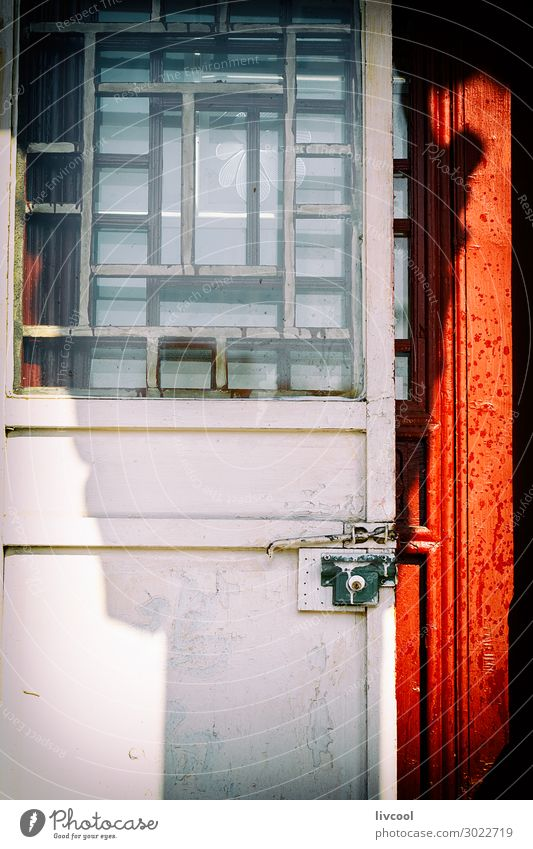 Ferien & Urlaub & Reisen alt Stadt weiß rot Haus schwarz Straße Architektur Stil Gebäude Kunst Tourismus Ausflug Dekoration & Verzierung Tür
