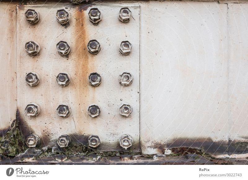 Knotenblech einer Stahlkonstruktion mit Sicherungsmuttern. Stahltragwerk Stahlbau Eisen Schrauben Lochfraß Schraubenverbindung Technik Gewicht Rost Korrosion