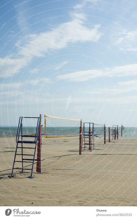 Volleyballnetze am Strand Meer Küste Sand Ferien & Urlaub & Reisen Wolken Sommer Außenaufnahme Sport Ballsport Spielen Sommerurlaub Netz beachvolleyball