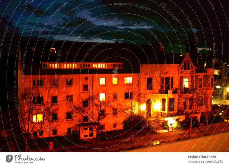 Gegenüber Haus Wolken Nacht Langzeitbelichtung Architektur Abend Straße