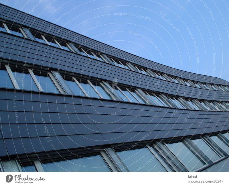 fenster_schwung blau Fenster Gebäude Architektur Schwung