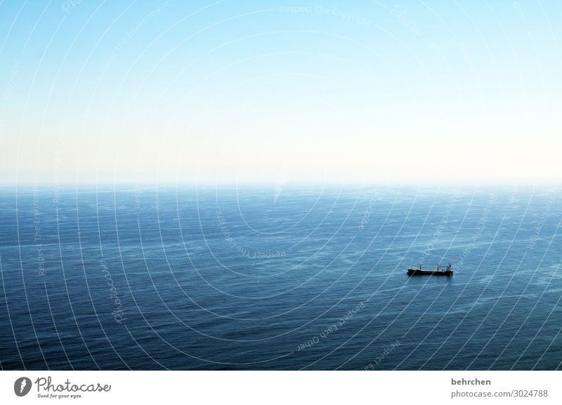 endlos Sonnenlicht Kontrast Licht Tag Farbfoto Vogelperspektive Wellen Wasseroberfläche Wirtschaft Güterverkehr & Logistik Handel Schifffahrt Containerschiff