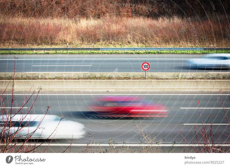 Tempolimit Verkehr Verkehrsmittel Autobahn Verkehrszeichen Verkehrsschild PKW fahren authentisch Geschwindigkeit Verantwortung Pünktlichkeit Gelassenheit