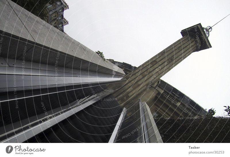 Stick it ! Architektur Treppe Turm Paris U-Bahn diagonal