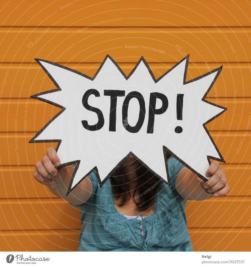 STOP | Geschriebenes Mensch weiß Hand schwarz Erwachsene gelb außergewöhnlich Fassade Angst Schriftzeichen Kommunizieren authentisch Bekleidung einzigartig
