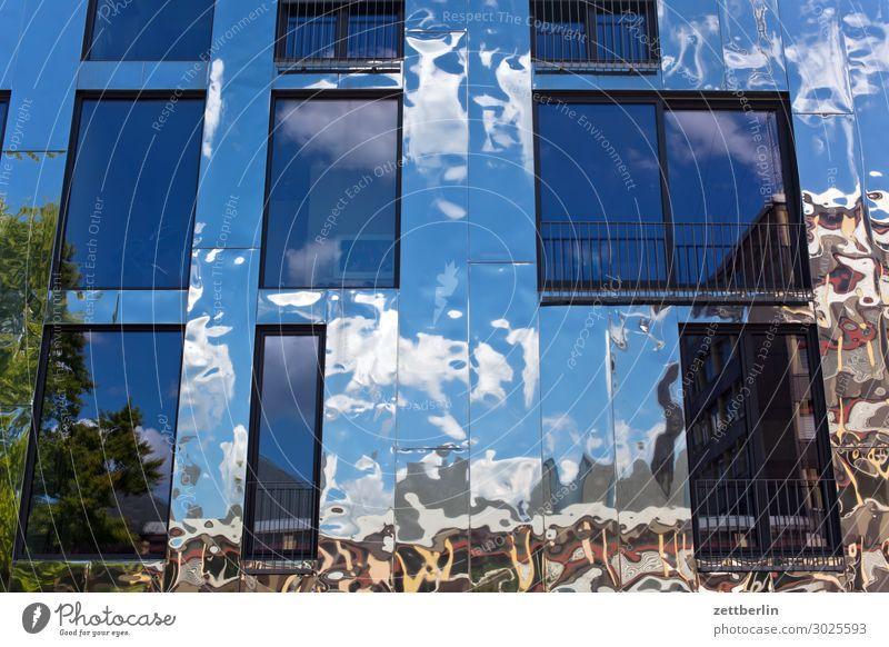 Spiegelnde Fassade Architektur Berlin Büro Großstadt Deutschland Froschperspektive Hauptstadt Haus Himmel Himmel (Jenseits) Hochhaus Stadtzentrum Berlin-Mitte