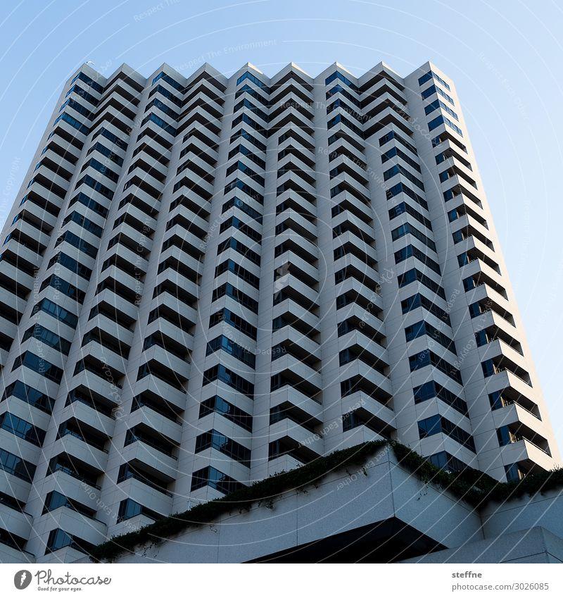 eckig gewellt Stadt Hochhaus Blauer Himmel graphisch San Diego USA Farbfoto Menschenleer Textfreiraum oben Froschperspektive
