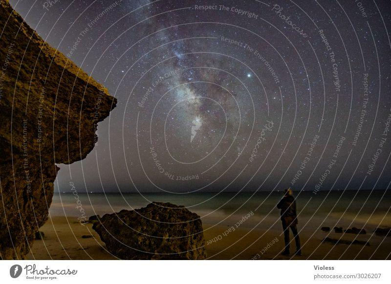 MilkyWay IV Umwelt Natur Landschaft Urelemente Himmel Wolkenloser Himmel Nachthimmel Stern Horizont Felsen Wellen Küste Strand Meer beobachten glänzend dunkel