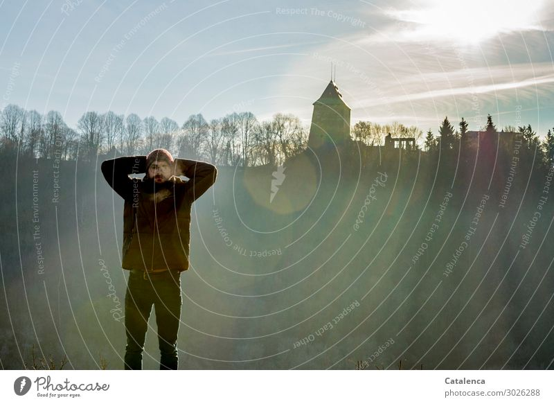 Luftig | Bauch zeigen Mensch Himmel Natur Jugendliche Landschaft Sonne Blume Winter schwarz 18-30 Jahre Erwachsene kalt Freiheit braun Felsen Stimmung