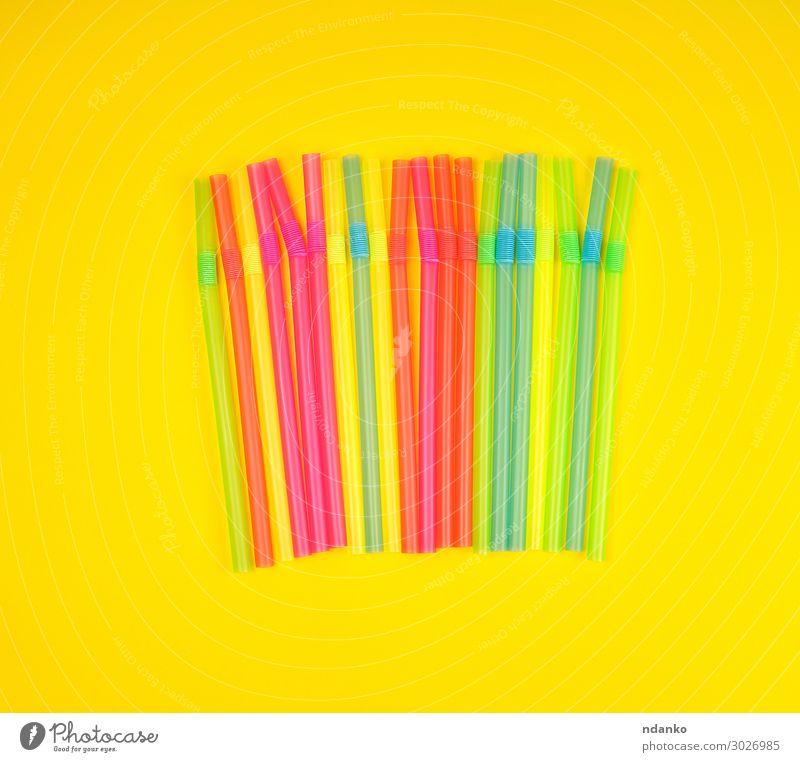 mehrfarbige Cocktailschläuche aus Kunststoff Getränk Saft Freude Körper Arme Tube Streifen Essen blau gelb grün rosa rot beweglich Farbe gemischt kleben flach