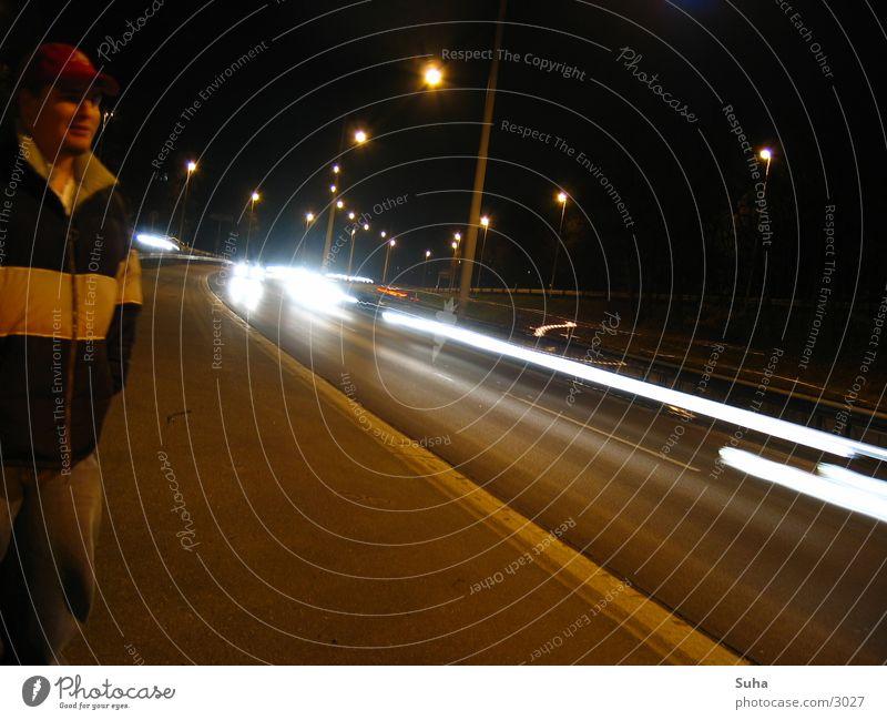 Die Panne I Autobahn Nacht Seitenstreifen Verkehr Autopanne PKW Licht abschleppen Lichtstreifen